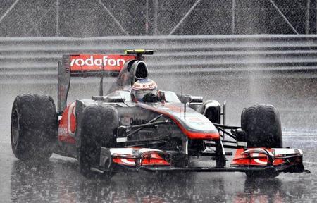 """Fernando Alonso: """"Jenson Button es el mejor piloto bajo la lluvia"""""""
