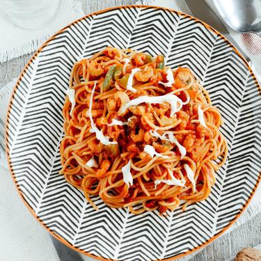 Espagueti rojo con camarones. Receta para Navidad