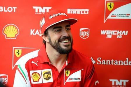 """Fernando Alonso: """"Más o menos sé lo que haré en 2015, pero ahora estoy centrado en la pista"""""""