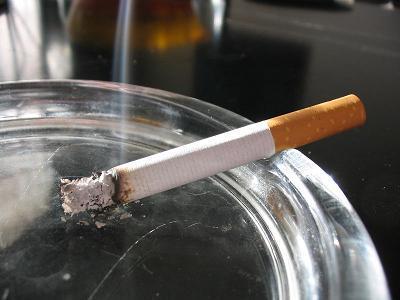 Los fumadores no podrán acoger niños en un distrito de Londres