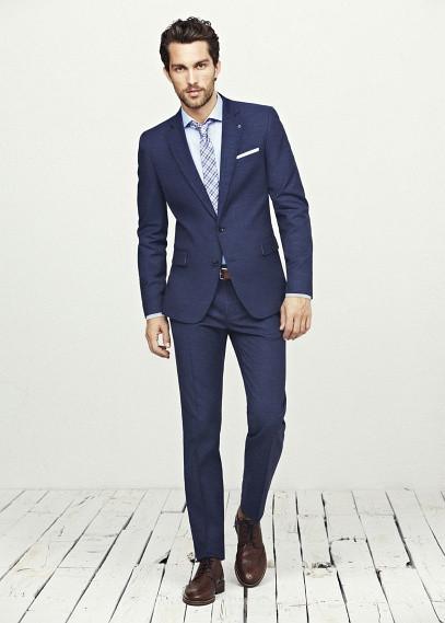 traje azul marino lino