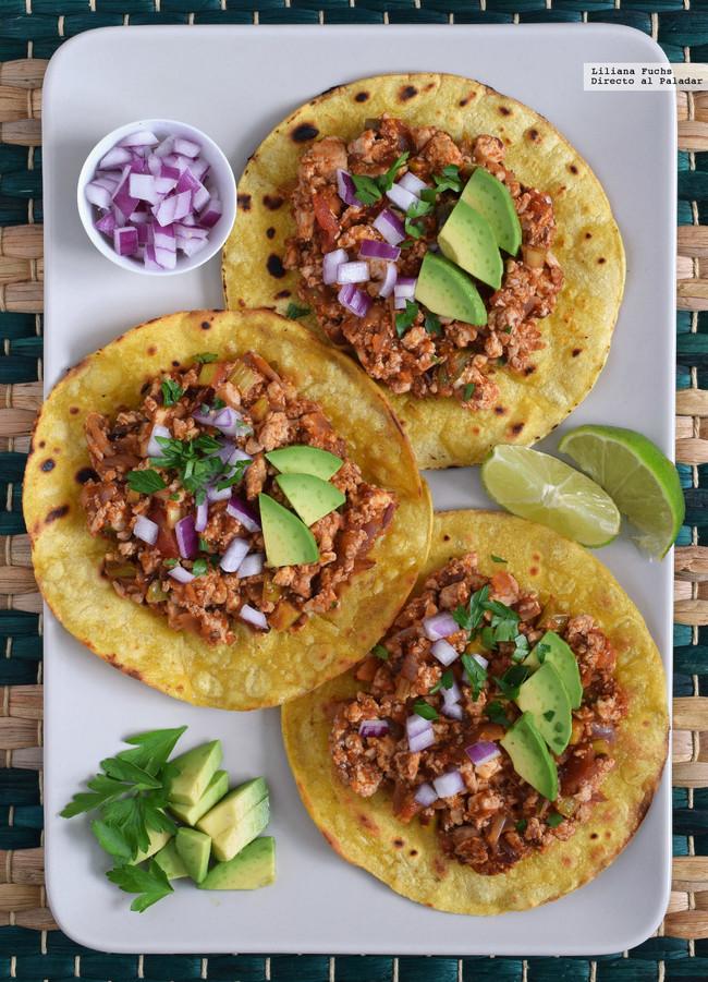 Tostadas mexicanas de tofu picante receta vegana para - Como se cocina el tofu ...
