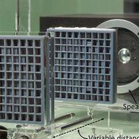 Este metamaterial puede enfocar  el sonido de un altavoz mejorando la acústica de nuestros equipos de TV y cine en casa