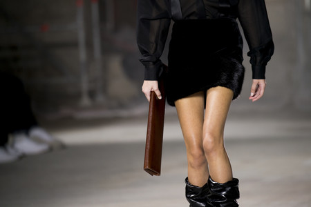 Vuelve el escándalo a Saint Laurent, esta vez acusado de plagiar a una diseñadora africana