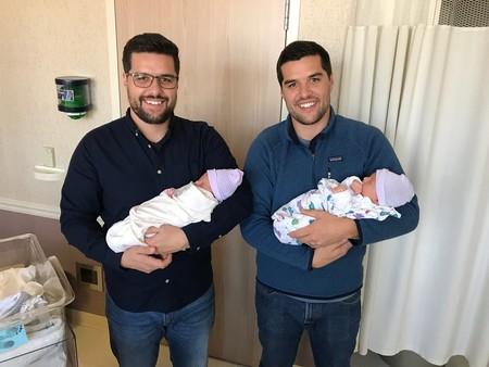La bonita historia de dos hermanos gemelos que se convirtieron en padres primerizos el mismo día