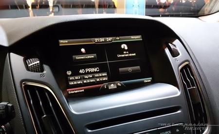 Ford Sync 2 en un Focus 2014 01
