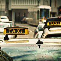 Tres taxistas detenidos en Madrid y más de 60 investigaciones abiertas: así continúa la huelga del Taxi