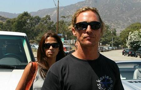 ¡Matthew McConaughey se nos casa!