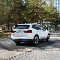 El BMW iX3, el primer SUV eléctrico de la firma bávara, ya tiene precio en España: desde 77.900 euros con 460 km de autonomía