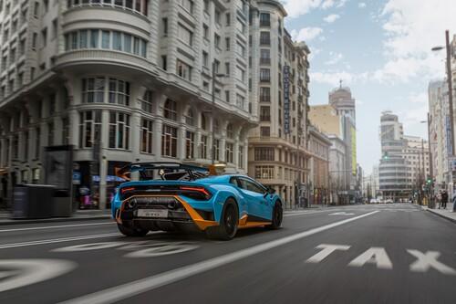 Primeras impresiones con el Lamborghini Huracán STO, el auténtico toro italiano de circuitos válido para carretera