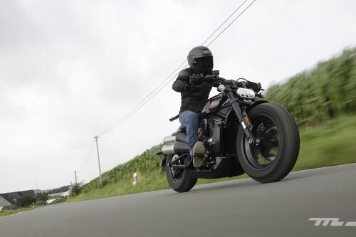 Probamos la Harley-Davidson Sportster S: la revolución custom tiene 122 CV, sabor oldschool y le vendría bien algo más de confort