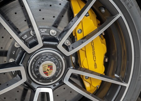 Porsche 911 Turbo S 2021 1600 B9