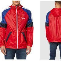 Oferta de Amazon en la la chaqueta para hombre Levi's Colorblock Windrunner: puede ser nuestra por sólo 40,95 euros