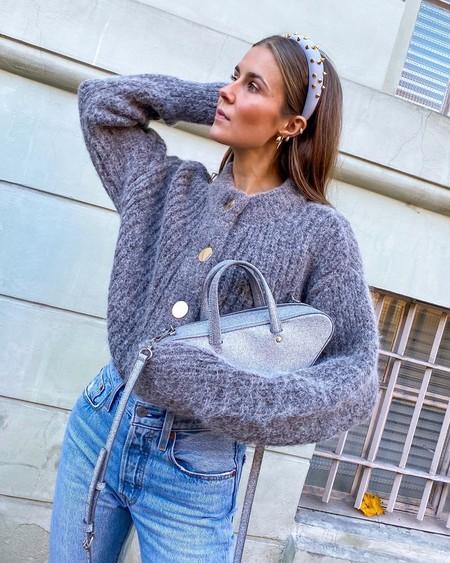 Los cárdigans son una de las prendas favoritas de este invierno 2019. Palabra del street style