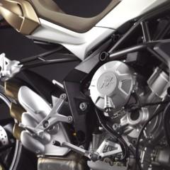 Foto 16 de 27 de la galería mv-agusta-brutale-675-desvelada-en-el-eicma-2012 en Motorpasion Moto