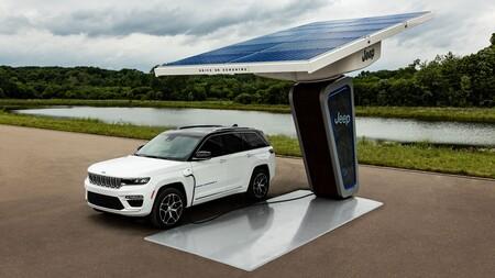 Jeep muestra las primeras imágenes de la nueva versión híbrida enchufable de Grand Cherokee 2022