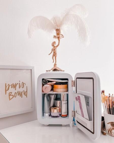 El maquillaje ahora se guarda en neveras: siete ideas para hacerte con una y que sea especial