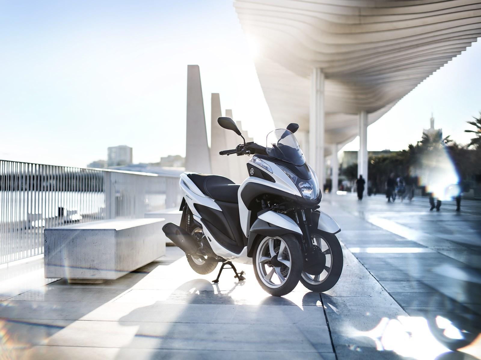 Foto de Yamaha Tricity 125 cc acción (11/21)