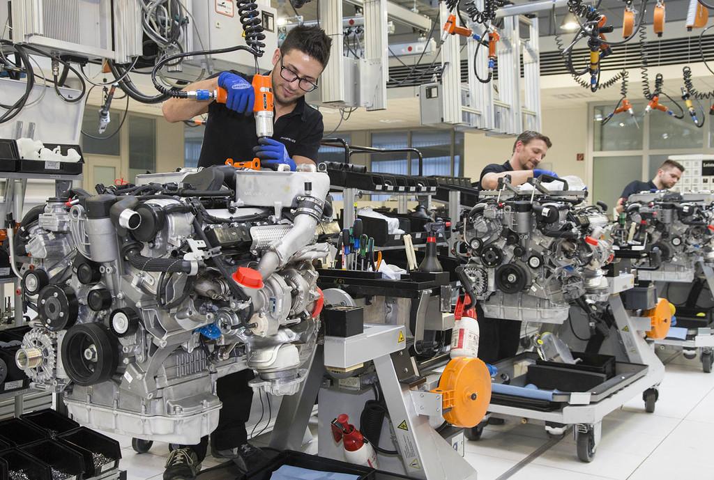 Montaje motor AMG