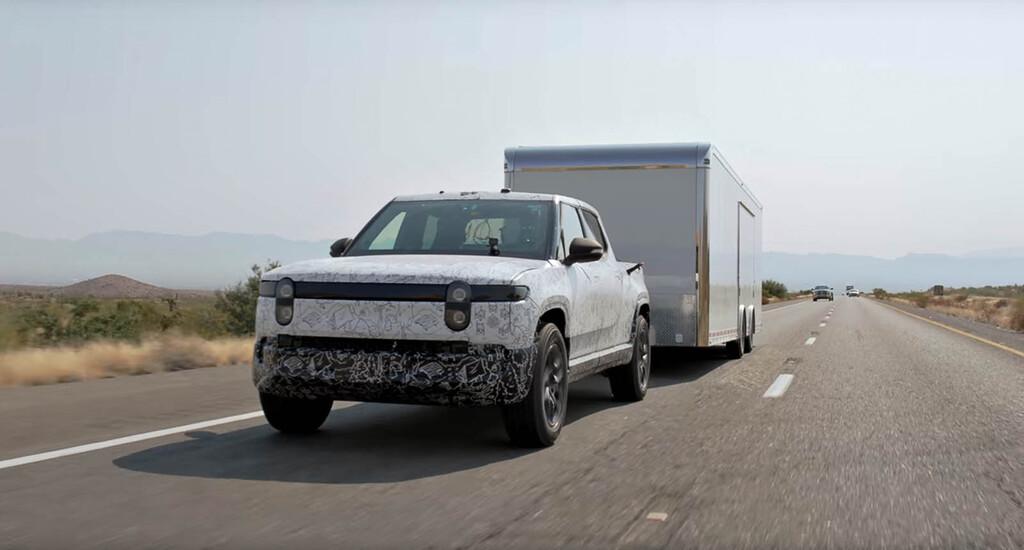 A por la Ford F-150: la pick-eléctrica Rivian R1T se pone a prueba remolcando 4.990 kg en el Valle de la Muerte