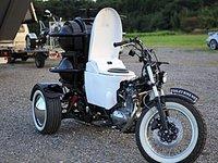 Esta moto japonesa, va que te cagas
