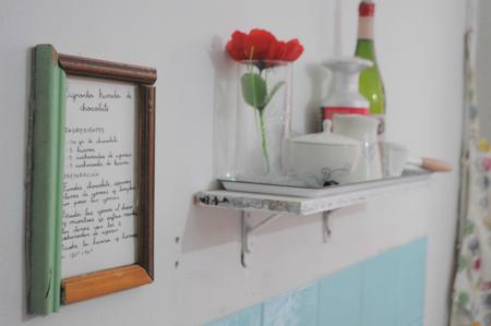 Una buena idea: haz tu cocina más acogedora con tus recetas favoritas
