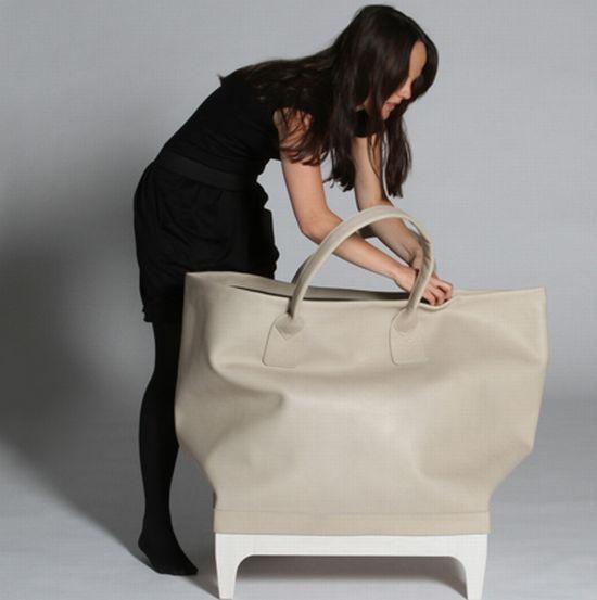 Un gran bolso como mueble de almacenaje