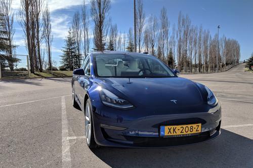 Un día con el Tesla Model 3: es fácil verlo como el coche del futuro, aunque su precio todavía diga lo contrario