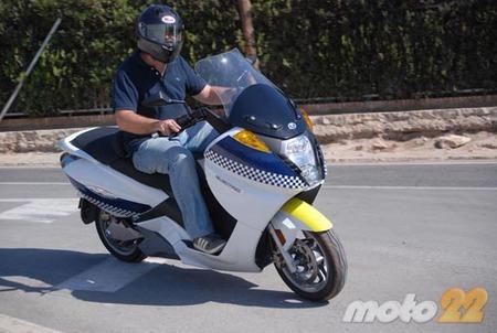 Vectrix VX-1, probamos la moto eléctrica 2/4