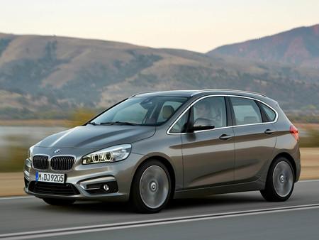 BMW se atrevió con la tracción delantera y es todo un éxito
