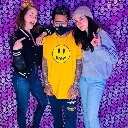 Ashley Benson añade un tatuaje (de amistad) a su colección