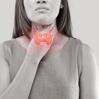 Tiroiditis postparto, una enfermedad que altera tu peso y estado anímico tras el parto: síntomas y tratamiento