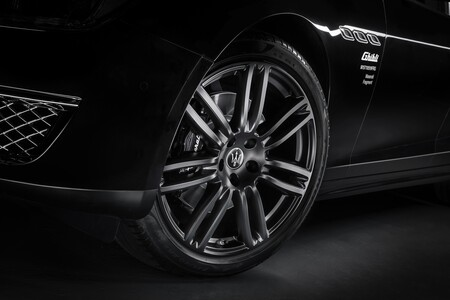 Maserati Ghibli Operanera Operabianca 2021 014