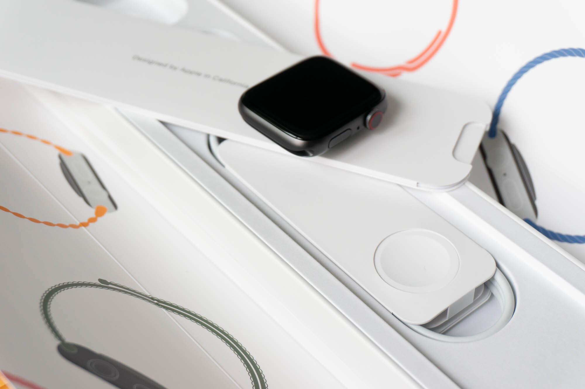Foto de Apple Watch SE y Solo Loop (7/21)