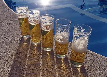 Aperitivo saludable: cerveza y frutos secos