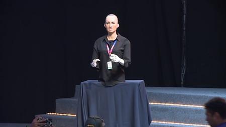 Fui a la conferencia del androide Sophia, en Talent Land 2018 en Guadalajara, y esto fue lo que dijo