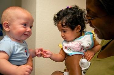 Los bebés reconocen las emociones de otros bebés a los cinco meses