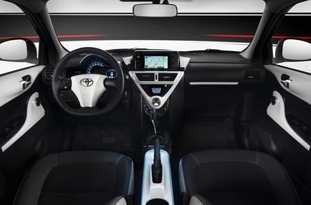 Toyota iQ EV interior