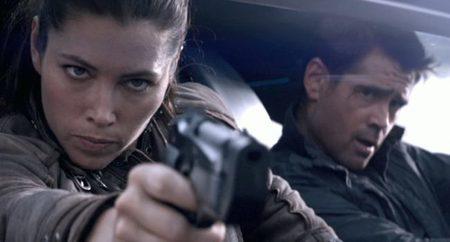 Jessica Biel y Colin Farrell en una escena de acción de Total Recall