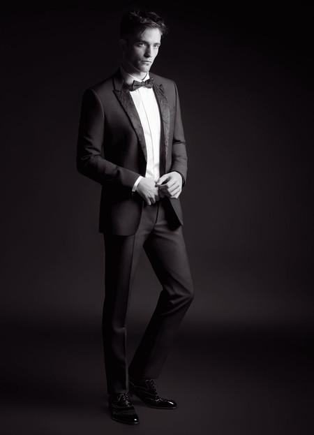 Un elegantísimo Robert Pattinson protagoniza la nueva campaña de Dior Homme