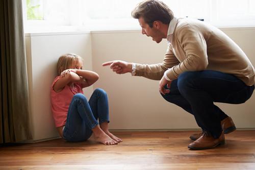Por qué los gritos no sirven para educar a los niños