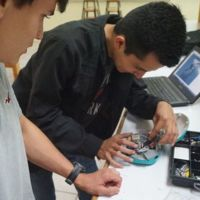 Estudiantes mexicanos diseñan tortuga robot para acuicultura