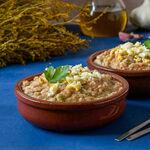 Ajo caliente, campero o de viña: la humilde receta tradicional andaluza que nos tiene cautivados