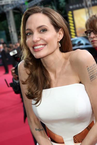 Y el Oscar es para... ¡Angelina Jolie!