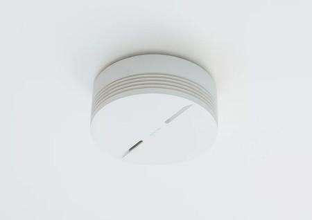 Este Detector de Humo Inteligente de Netatmo nos avisa ante un posible incendio aunque no estemos en casa