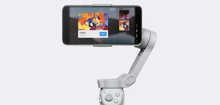 DJI OM 4, un nuevo estabilizador para el móvil que usa el magnetismo para asegurar el teléfono