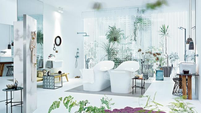Baño diseñado por Patricia Urquiola