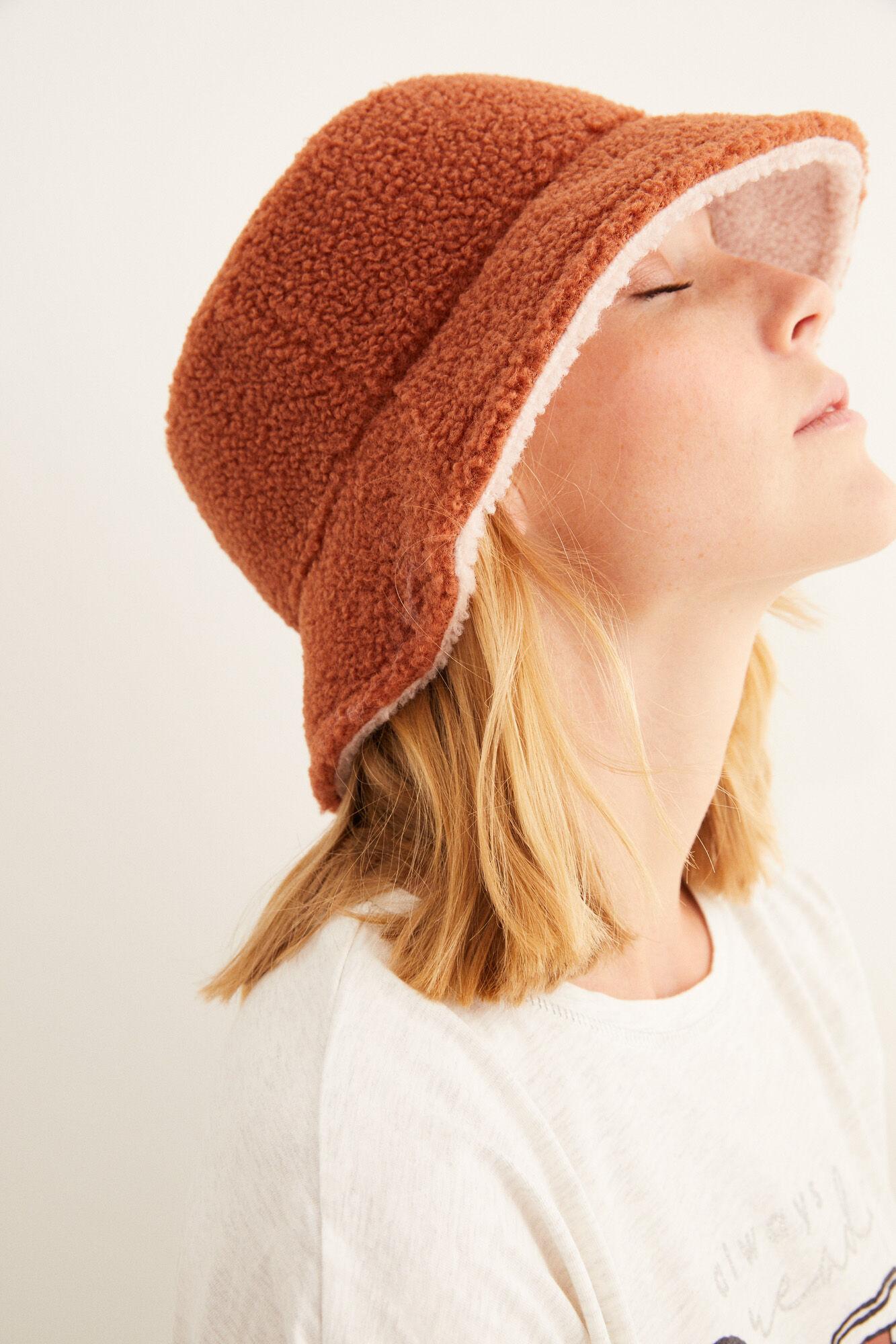 Sombrero bucket de borreguito reversible