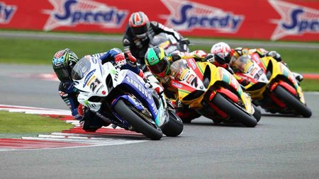 British Superbikes 2011: Tommy Hill y John Hopkins se distancian en Silverstone