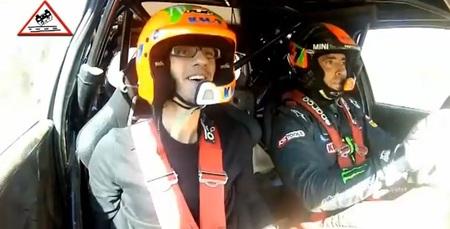 Esto sí que es un copiloto de rallyes entusiasta